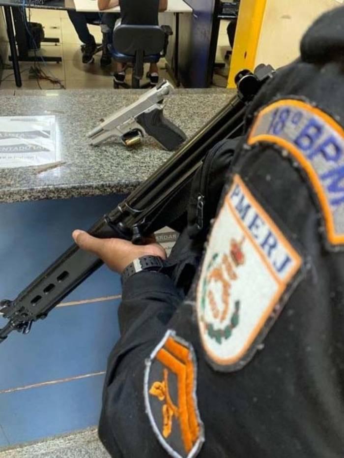 Pistola que foi apreendida