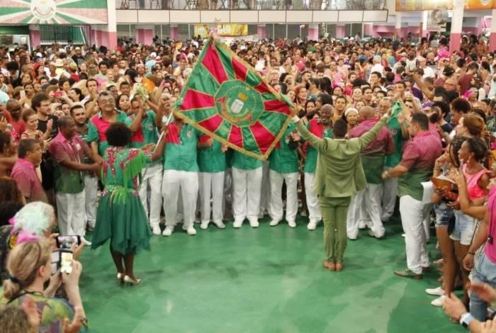 Sábado tem eliminatórias do samba-enredo da Mangueira