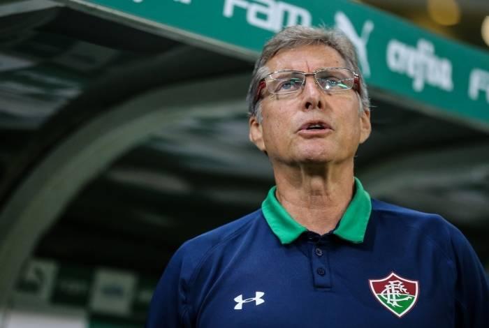 Fluminense de Oswaldo de Oliveira não evolui