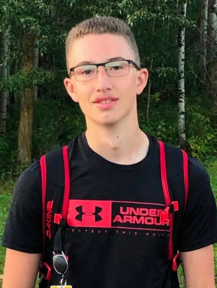 Max Werekna estava no lago com a família, perto da casa de férias, quando descobriu os destroços e alertou a polícia