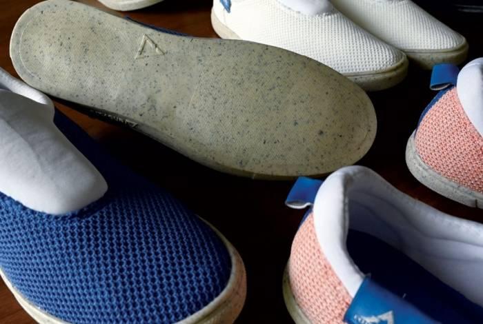 Sapato com sola feita de alga 'reciclada'