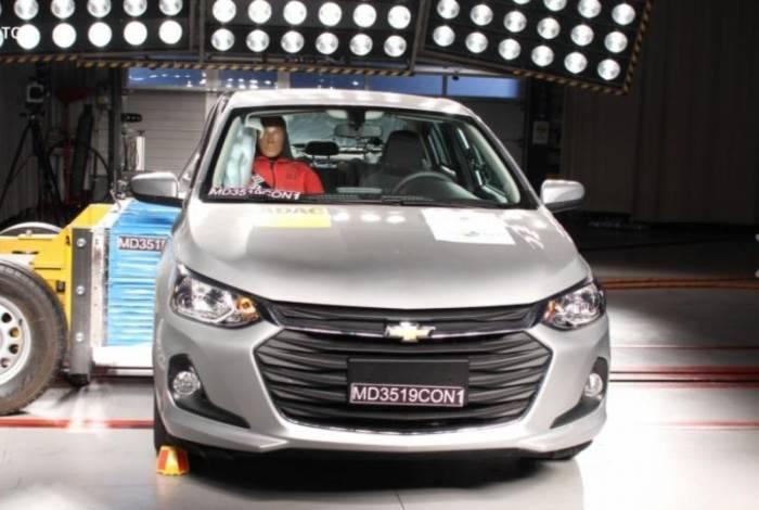 Novo Chevrolet Onix Plus, substituto do Prisma, acaba de receber cinco estrelas em segurança da Latin NCap