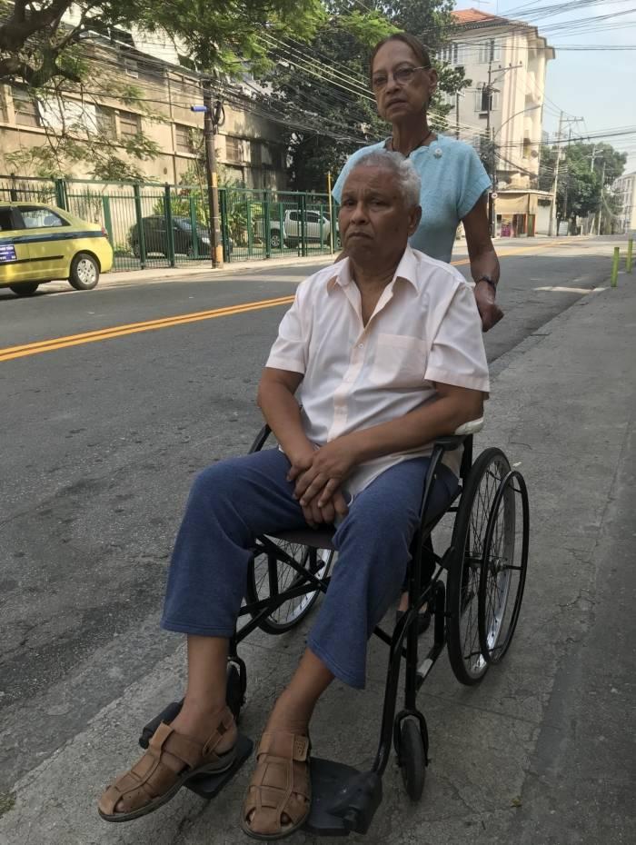 Dona Wanderlicy Reis de Andrade, de 64 anos e o marido Luiz Carlos de Andrade, de 68