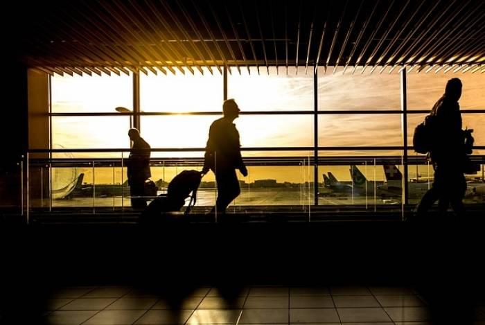 Brasileiros pretendem viajar no final do ano, diz pesquisa