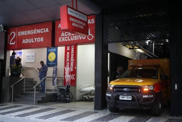 Rio, 16/09/2019  - Incendio no hospital Badim, carro da defesa civil remove o corpo da 12 vitima, Iolandina Gaspar.  Copa Dor, Copacabana  Zona sul do Rio. Foto: Ricardo Cassiano/Agencia O Dia