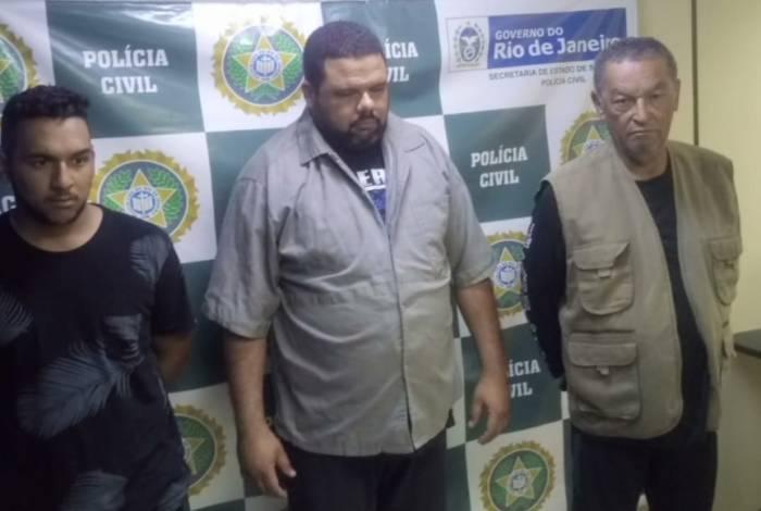 Segundo a Polícia Civil, nos últimos meses, Bruno, Alberto e Paulo teriam arrecadado cerca de R$ 30 mil