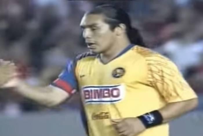 Cabañas foi carrasco do Flamengo em 2008