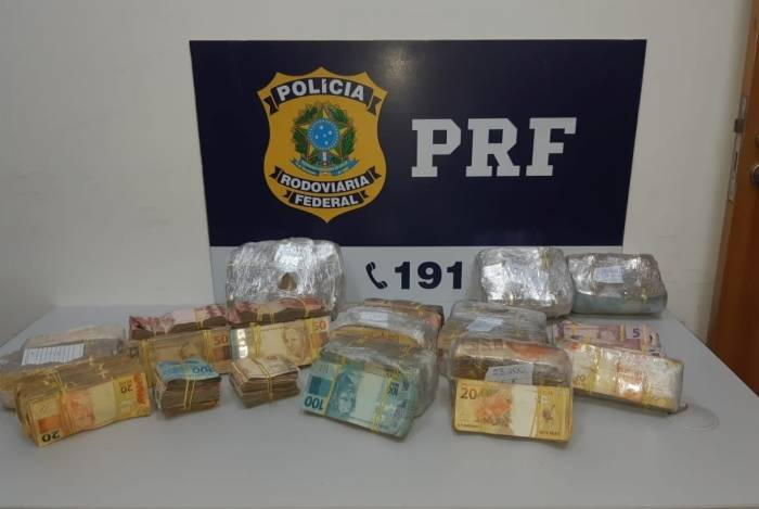 PRF apreendeu  mais de R$ 260 mil