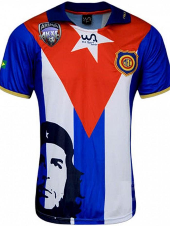 Madureira fez excursão polêmica para Cuba em 1963. 50 anos depois, lançou essa camisa relembrando o fato, que incluiu até encontro com Che Guevara.
