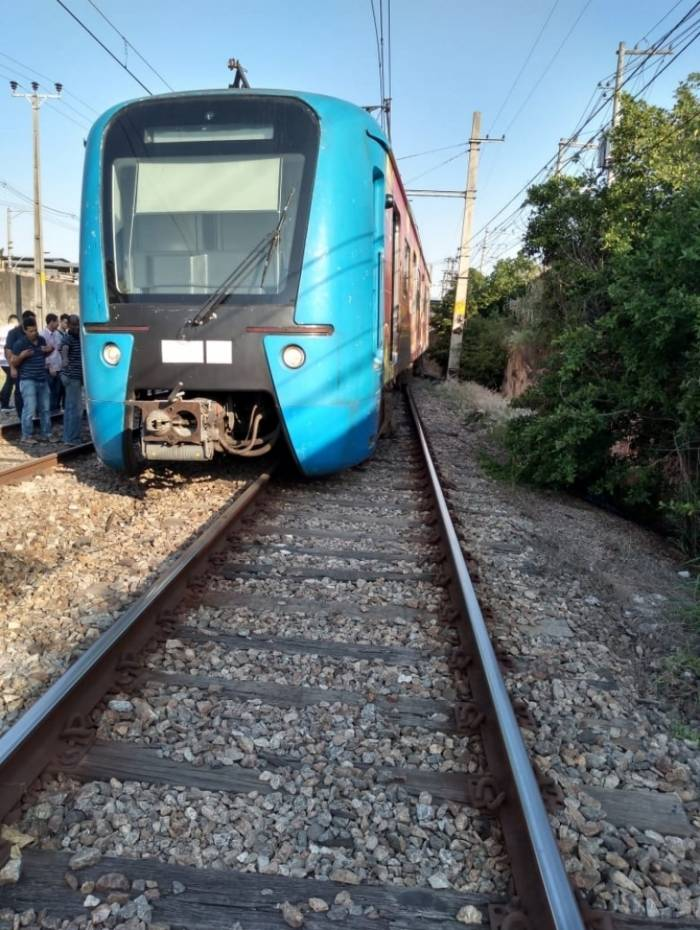 Trem descarrilou na Zona Norte