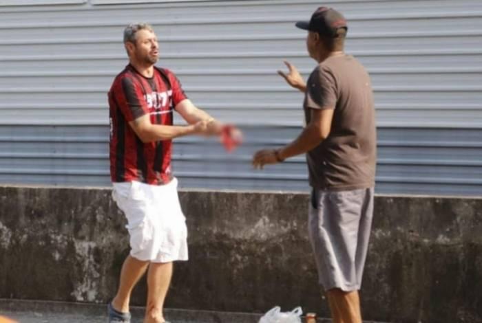 Torcedor do Athletico-PR perdeu a mão após se envolver em acidente com sinalizador