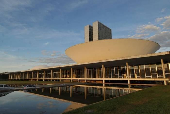 O encontro foi organizado pelo senador Flávio Bolsonaro e o coordenador da bancada do Rio, Sargento Gurgel, ambos do PSL, e ocorrerá no auditório do Interlegis (bloco 2 do Senado Federal)