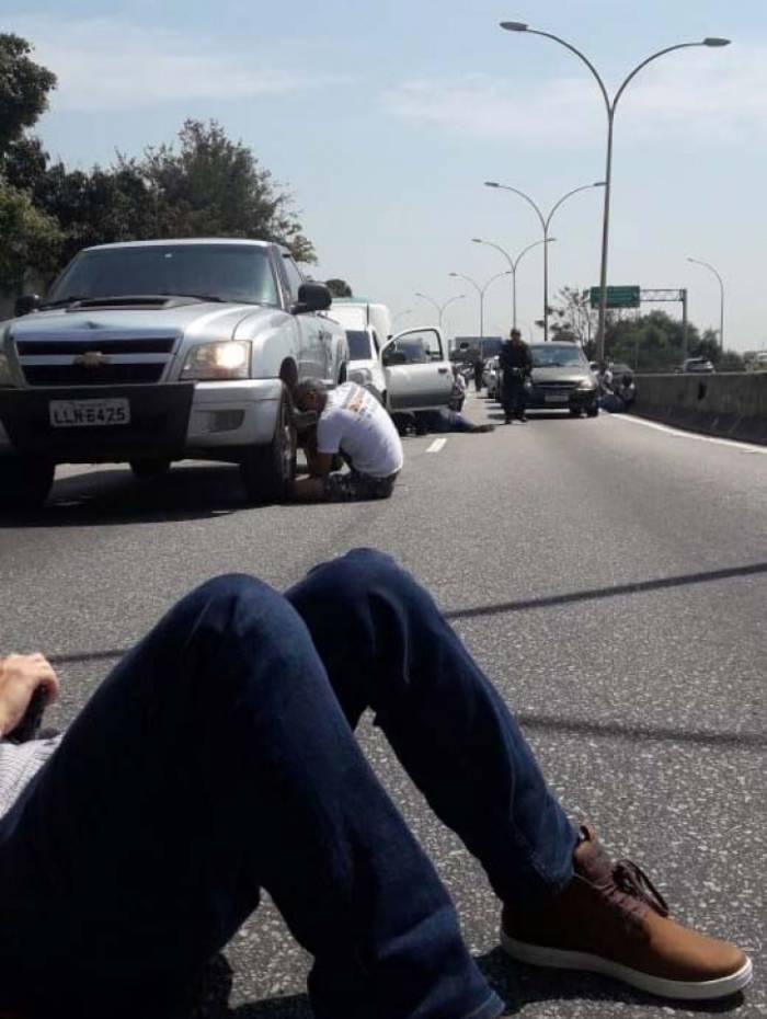 Motoristas se protegeram dos tiros