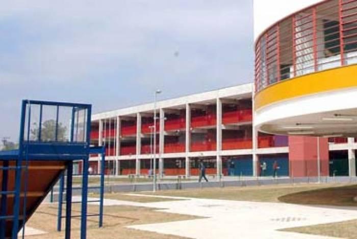 Escola fica em Aricanduva