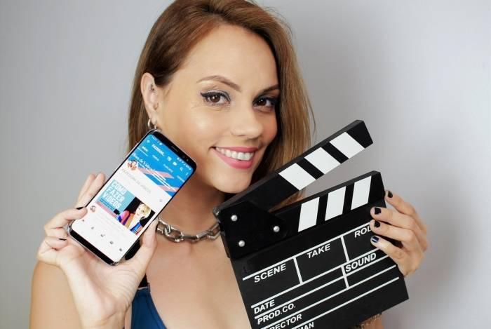 Carolina Barros, criadora do canal Fazedora de Vídeos