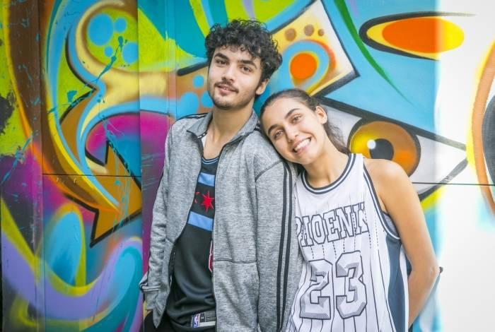 Vicente (Gabriel Contente) e Gabriela (Giovanna Coimbra)