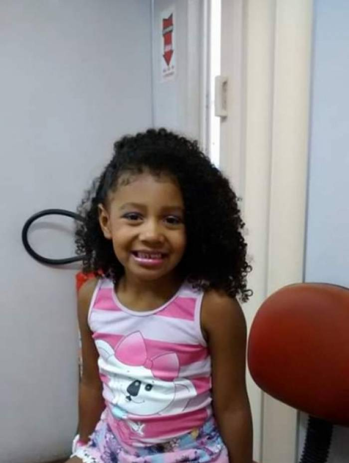 Agatha Vitória, de 8 anos, foi baleada na sexta-feira (20) à noite, no Complexo do Alemão