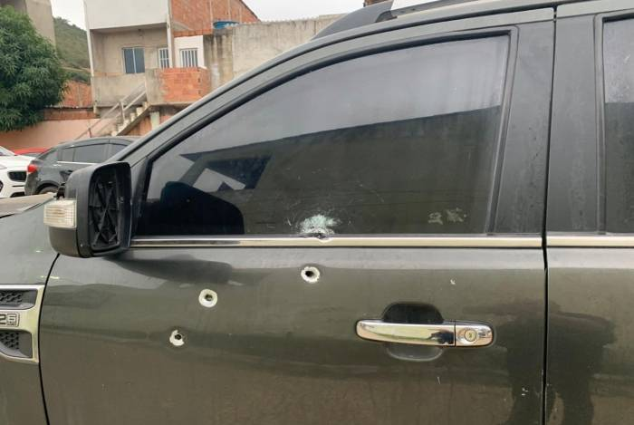 Blindagem do carro protegeu o militar