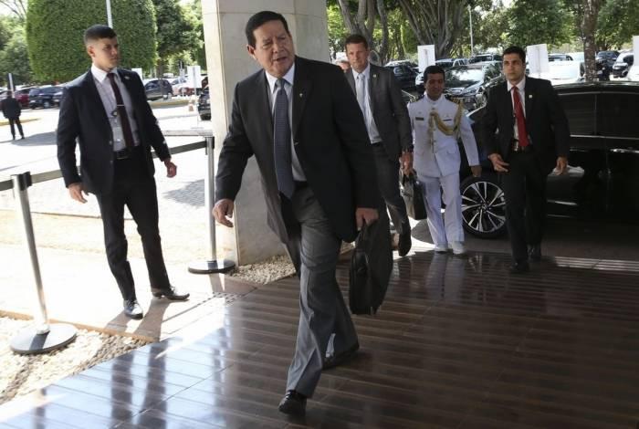 Presidente em exercício Hamilton Mourão: defesa da polícia