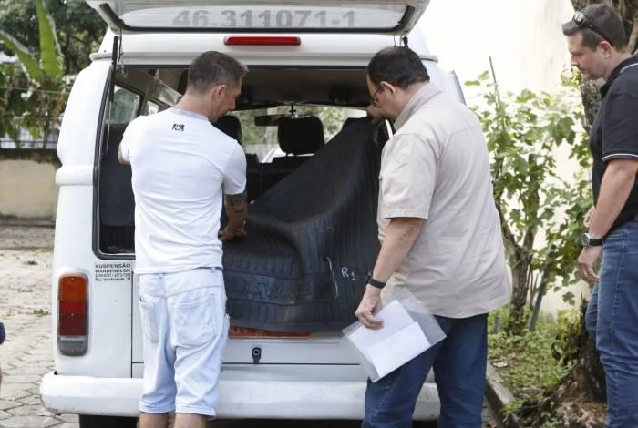 Uma nova perícia foi feita no veículo, desta vez com a presença do dono do automóvel