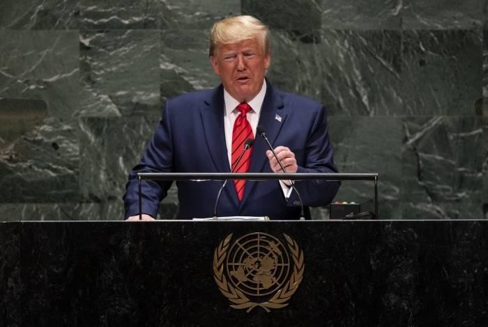 Donald Trump é acusado de ter pedido investigação contra rival