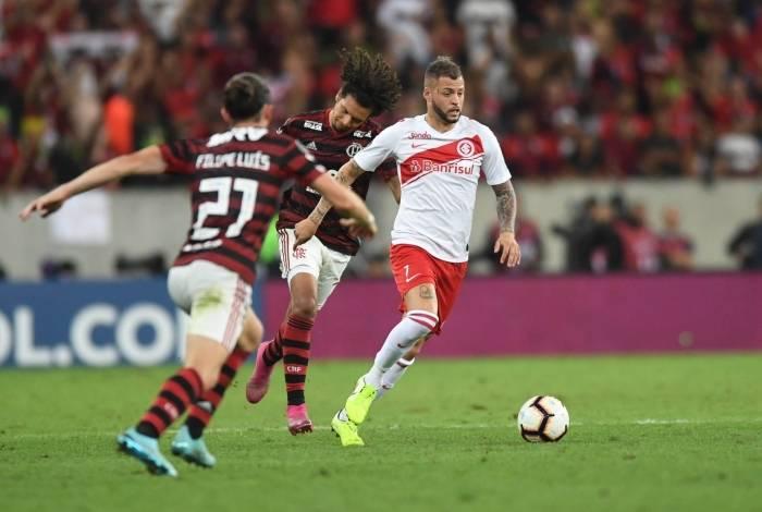 Nico López elogiou o Flamengo antes do duelo de quarta-feira