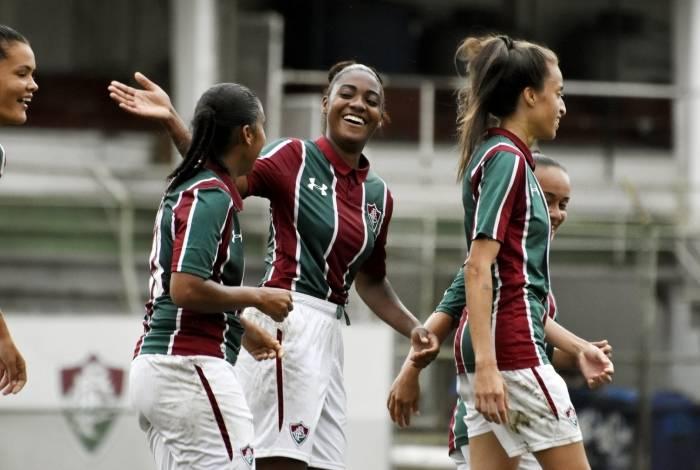 Fluminense goleou