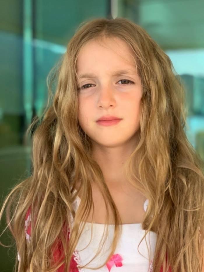 Luciano Huck posta foto da filha, Eva