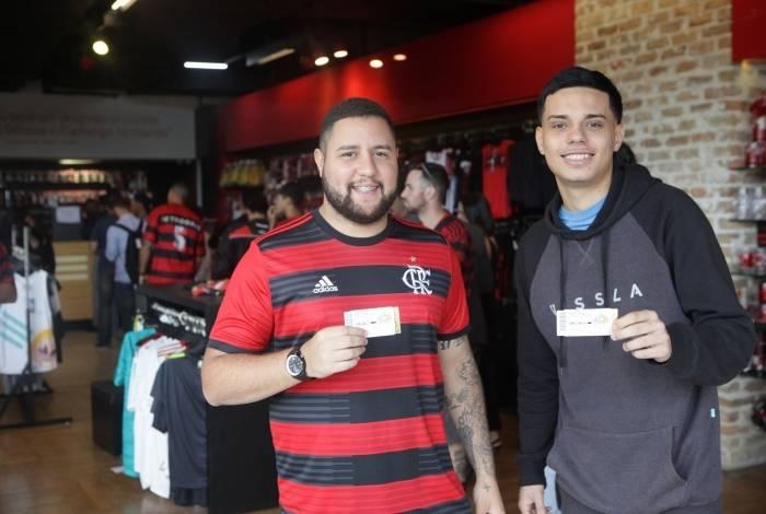 Confiantes na vitória, Marcus Vinicius (E) e Luiz viajam amanhã