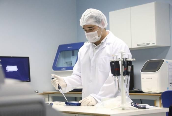 Pipetagem de amostras para amplificação do DNA