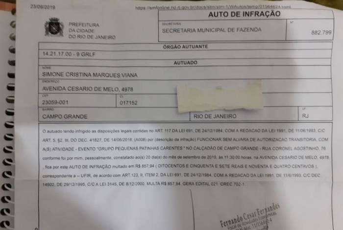 Documento diz que Simone estava no Calçadão de Campo Grande dia 20, o que ela nega