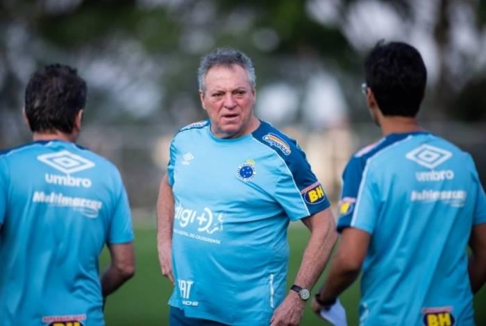 Recém contratado, Abel Braga já está sendo pressionado no Cruzeiro