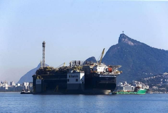 O lucro vai ser repartido entre a Petrobras, a União, estados e municípios
