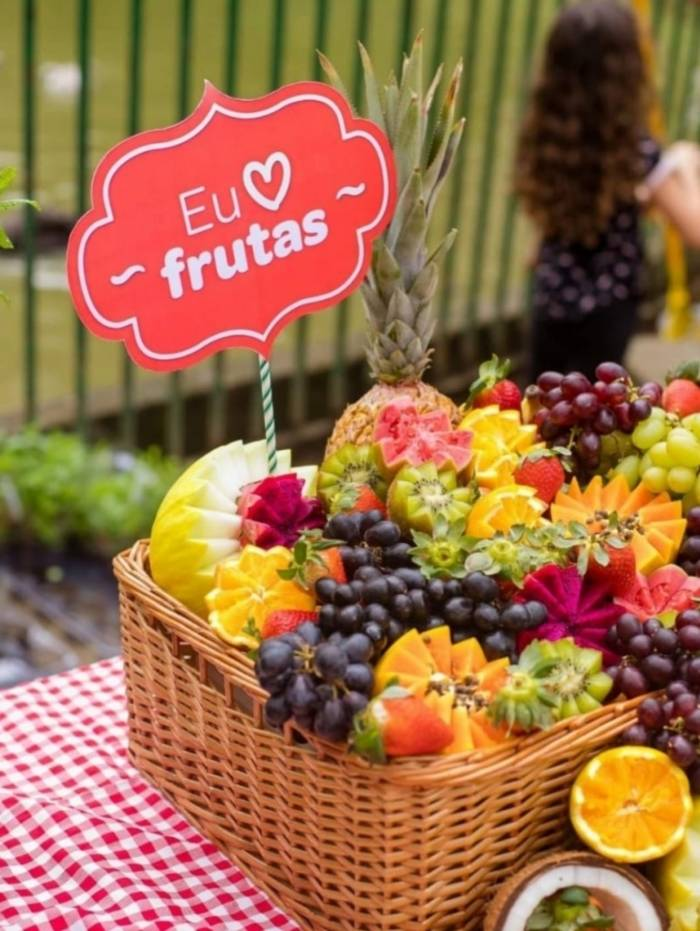 Alimentação saudável e equilibrada com frutas e vegetais orgânicos