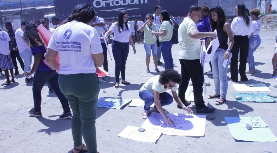 Manifestação aconteceu próximo ao Miguel Couto, na Zona Norte