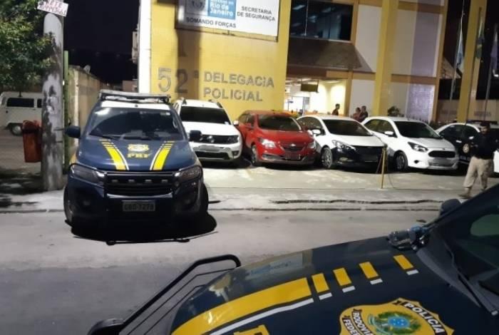 Suspeitos foram encaminhados para a 52ª DP (Nova Iguaçu)