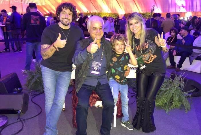 Garoto cantor faz sucesso no Rock In Rio