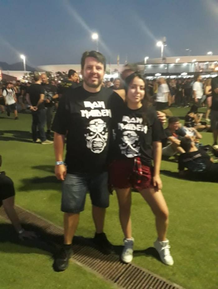 O advogado Alessandro Matos, 44 anos, e a filha Gabriela Mattos, 19 anos, vieram ao RIR para assistir ao show da banda Airon Maiden