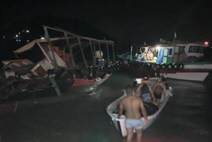 Barcos colidiram em Itacuruçá e deixaram feridos