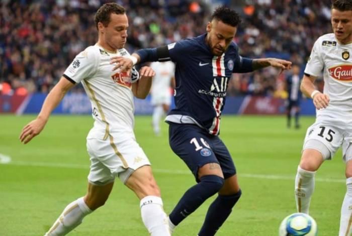 Neymar marcou mais uma vez em vitória do Paris Saint-Germain