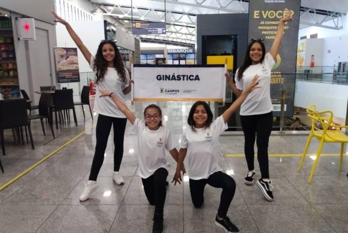 O quarteto de ginastas da Fundação Municipal de Esportes de Campos vão disputar o título nacional na ginástica de trampolim, em Goiânia