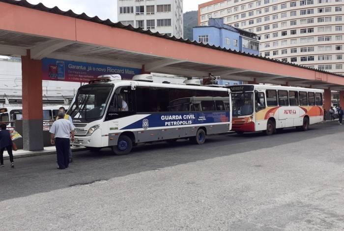 Ônibus está localizado no Terminal do Centro
