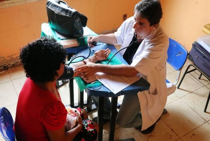 O programa Consultório de Rua levou atendimento médico ao assentamento Osvaldo de Oliveira, em Córrego do Ouro, Macaé