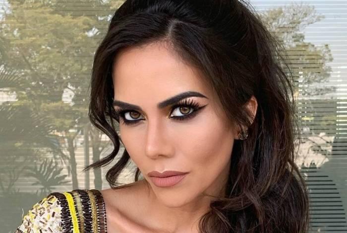 Apresentadora da RedeTV!, Daniela Albuquerque