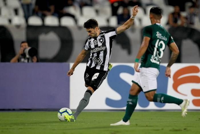 Rodrigo Pimpão durante partida contra a equipe do Goiás, no Nilton Santos