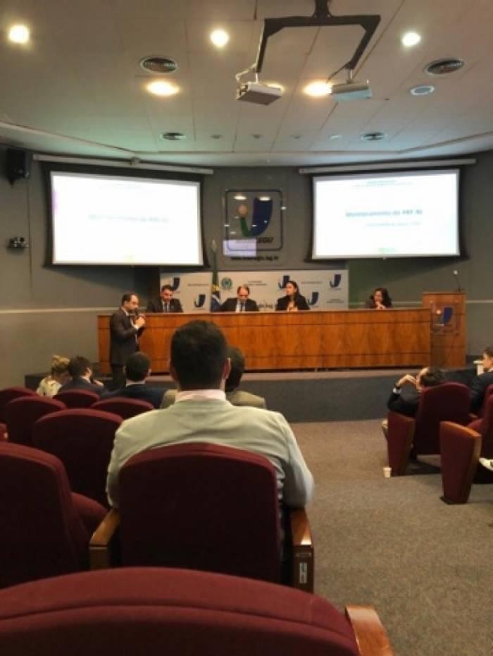 Secretário de Fazenda, Luiz Cláudio Carvalho também participou da reunião