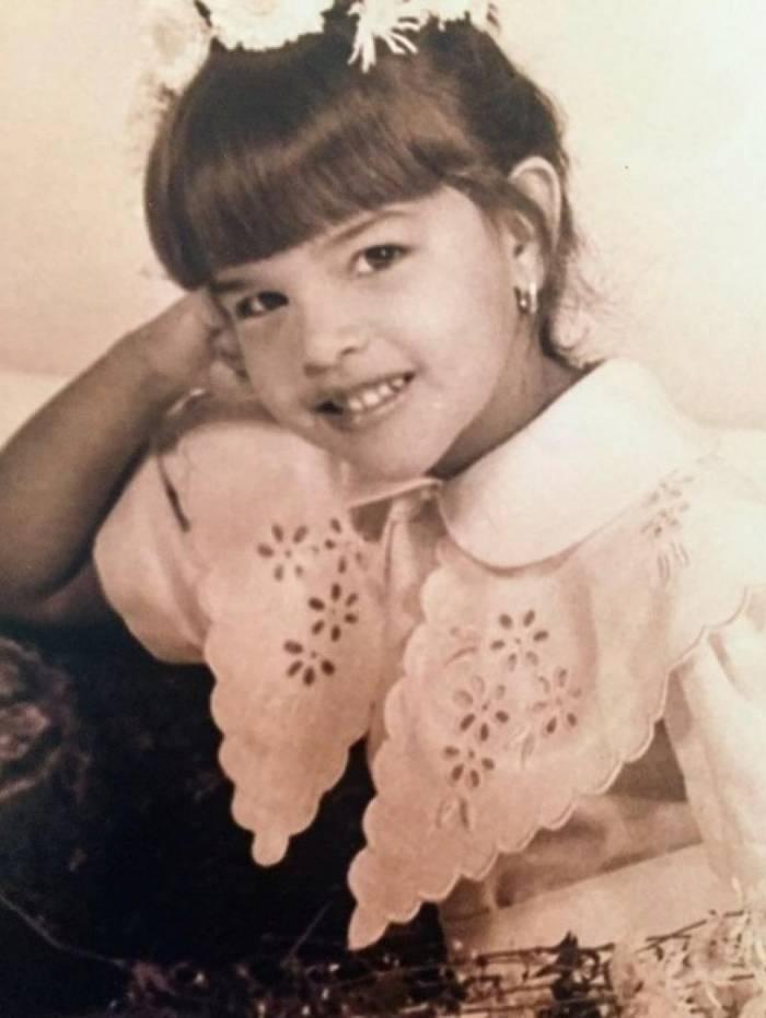 Mariana Rios diz que era uma menina charmosa