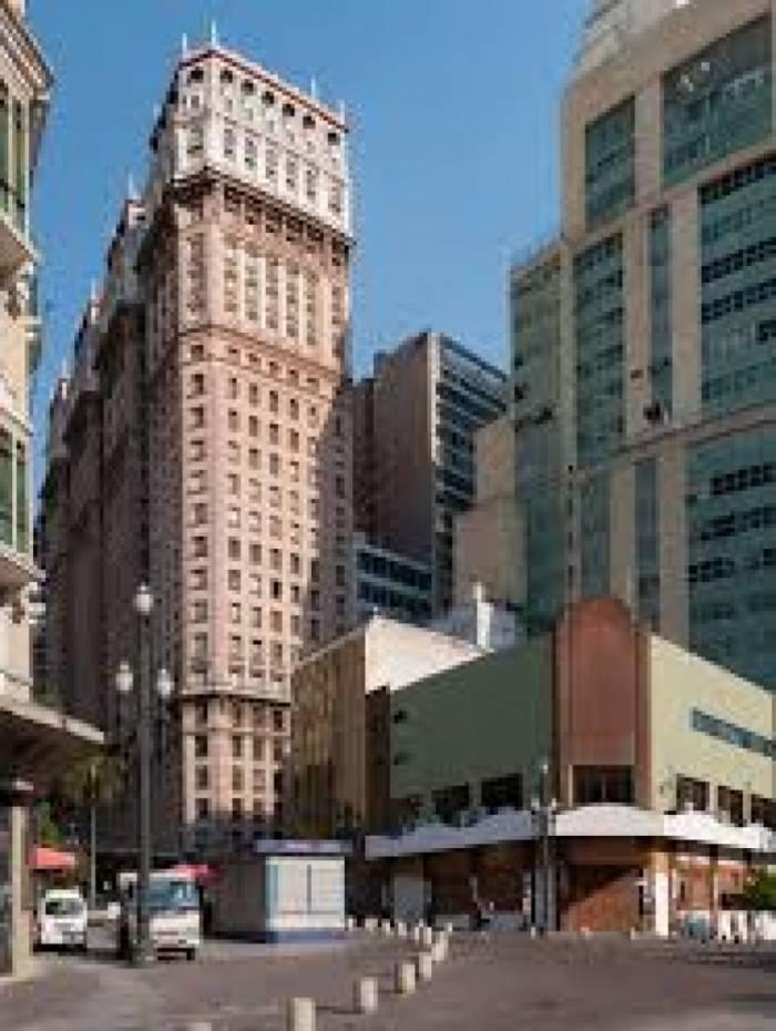 Neto do construtor do edifício Martinelli, no centro de São Paulo, foi preso em Nova York