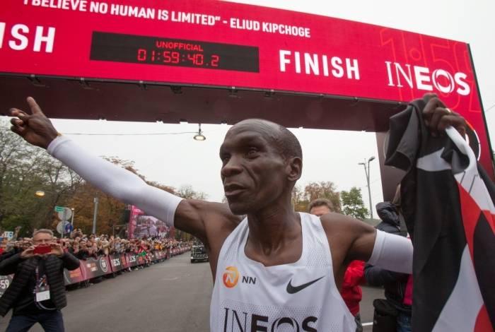 Kipchoge: primeiro a correr a maratona em menos de duas horas