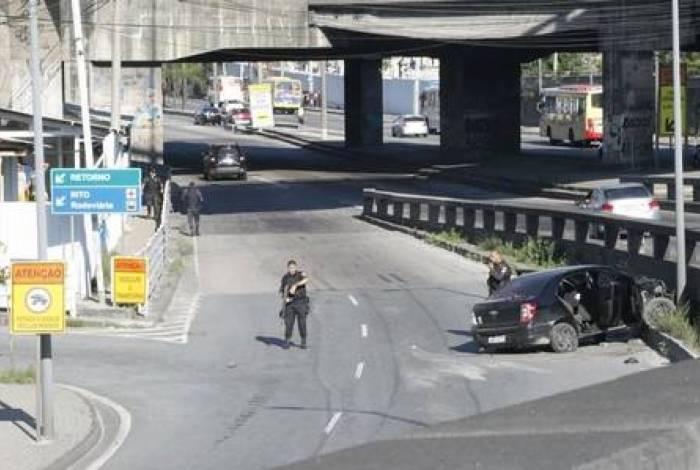 Perseguição na região do Gasômetro acaba em troca de tiros entre policiais e suspeitos